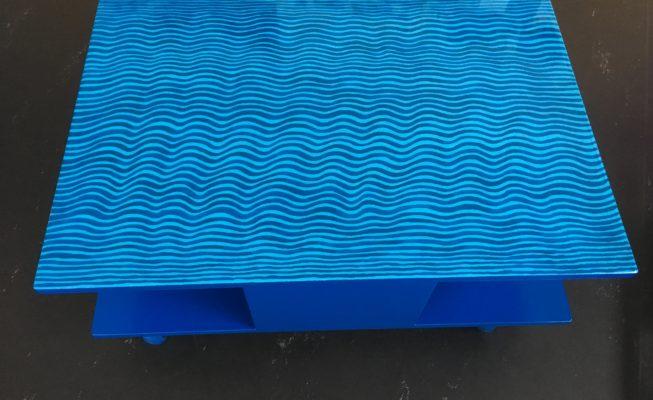 Tafeltje, MDF, lakverf, epoxy en zwenkwielen, 84 x 58 x 37 (h), 2018