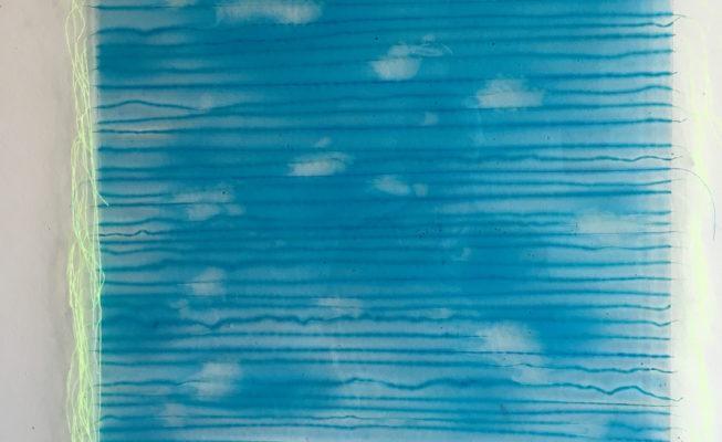 z.t., glas, textieldraden, giethars, 54 cm x 60 cm (h), 2018